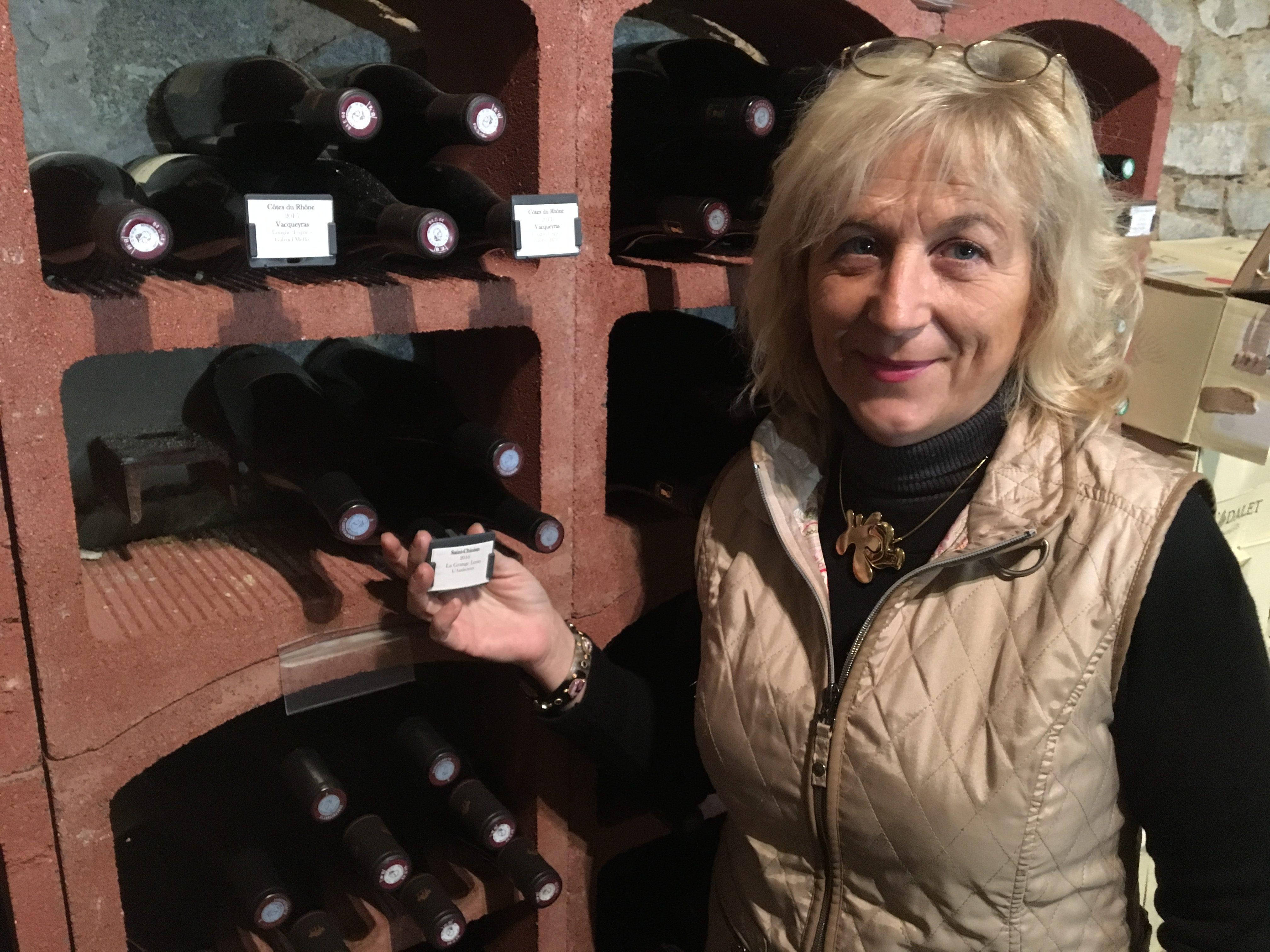 Au Cheverny, le CLIPOGOULO veille sur les vins d'un havre de gourmandise.